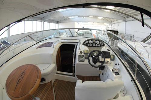 sexy-camerieri-yacht-2
